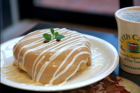 アースカフェ オーガニックコーヒーパンケーキ ヒルナンデス